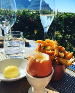 Truffle fries, aioli and egg